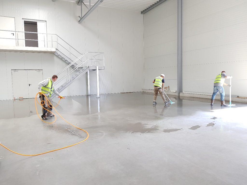 floor polishing and waxing